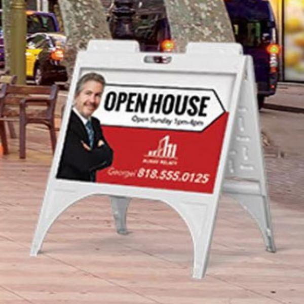 sidewalk-sign-251DC9BF0-9BE5-896A-0253-2ED837AC9C1B.jpg